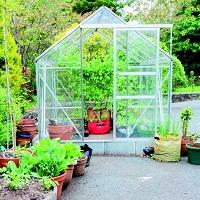 Scegliere-la-serra-serra-a-casetta-per-terrazzi-e-giardini